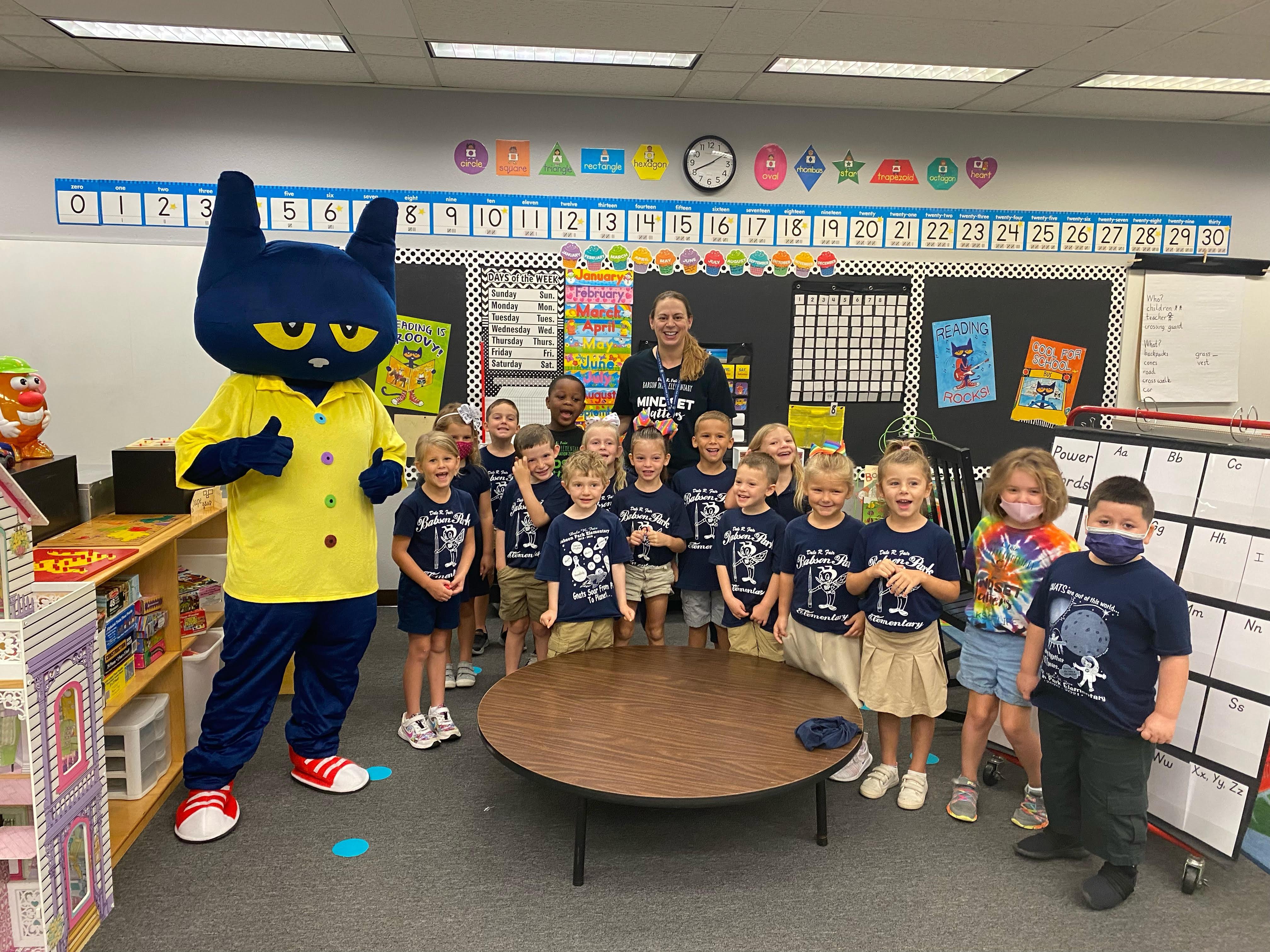 Pete the Cat with Mrs. Gravel's Kindergarten Class