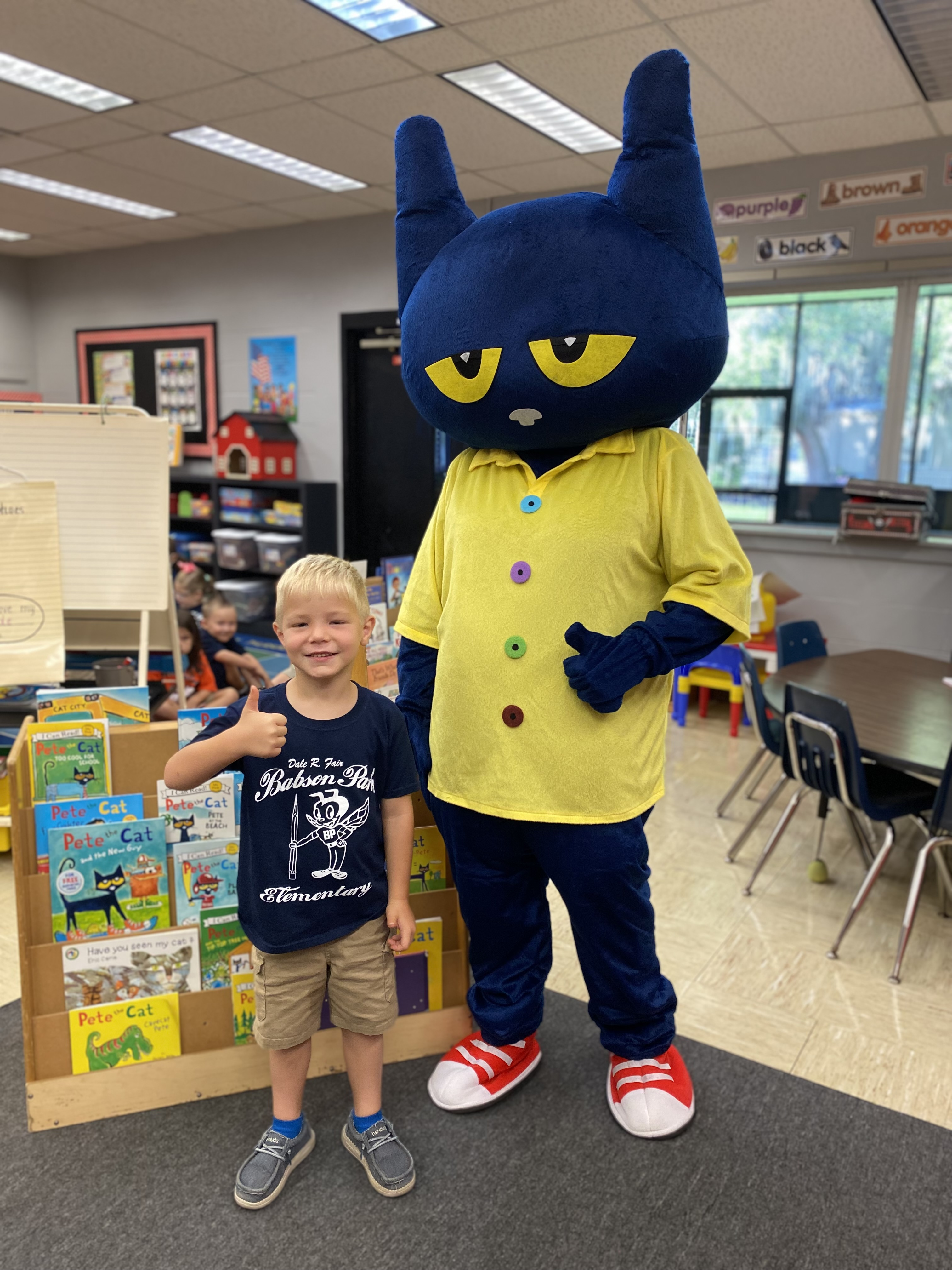 Pete the Cat visiting with a Kindergarten Gnat.