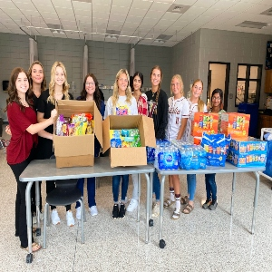 HOSA Club Members Give Back to Healthcare Workers