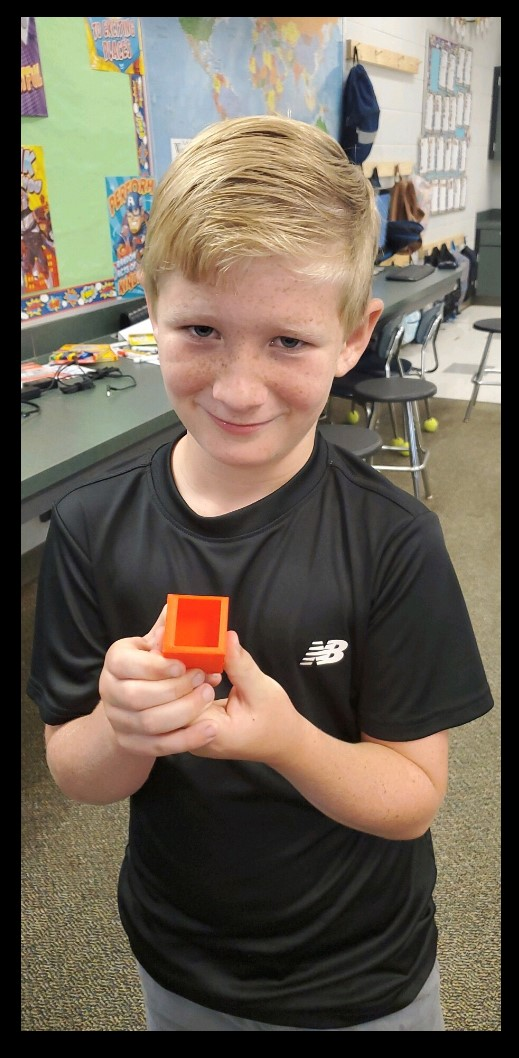 Student with 3D object