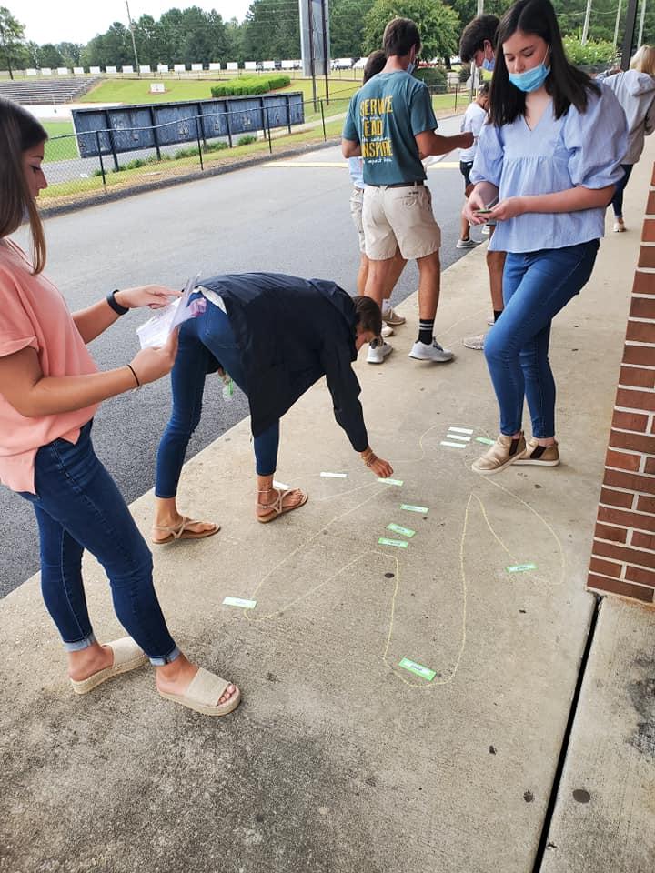 Anatomy Class labeling chalk person