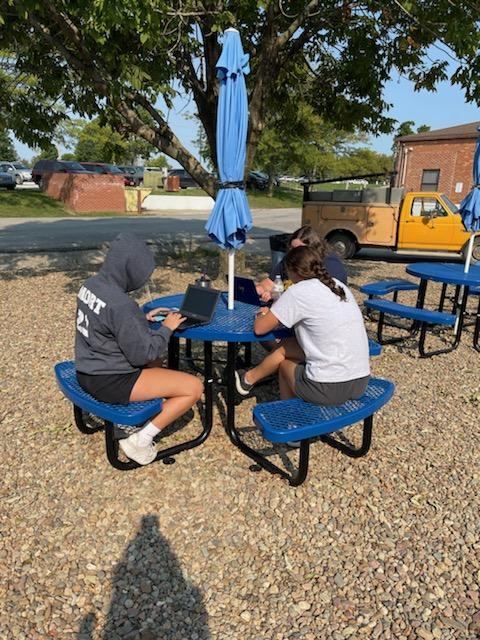 Missouri Star Quilt Company donates tables to Hamilton R-2 School.